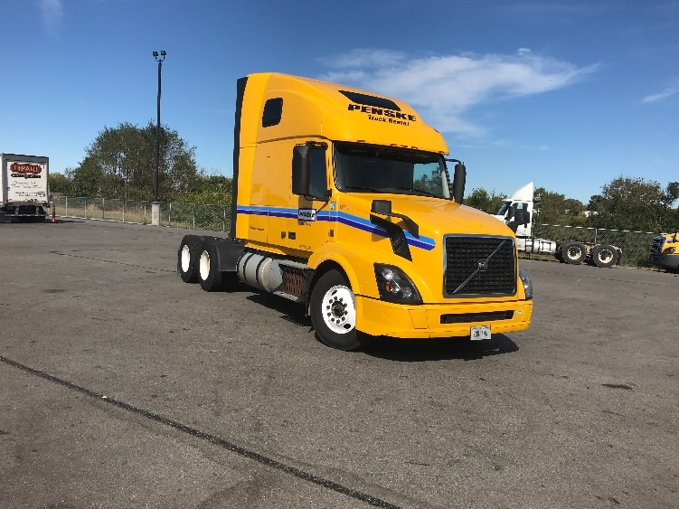 Sleeper Tractor-Heavy Duty Tractors-Volvo-2016-VNL64T670-LEXINGTON-KY-445,096 miles-$48,750