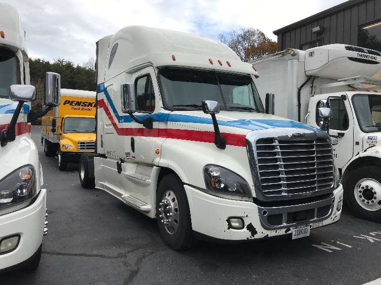 Sleeper Tractor-Heavy Duty Tractors-Freightliner-2016-Cascadia 12542ST-CONOVER-NC-903,917 miles-$29,500