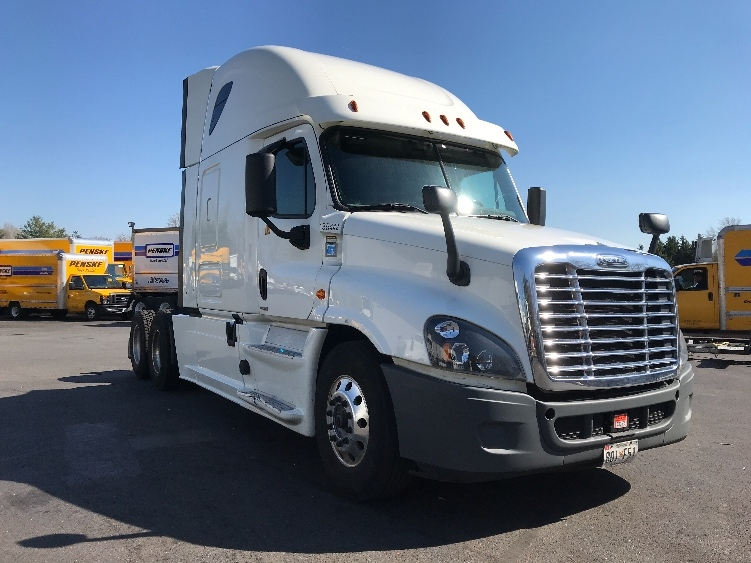 Sleeper Tractor-Heavy Duty Tractors-Freightliner-2016-Cascadia 12564ST-CAPITOL HEIGHTS-MD-713,540 miles-$39,000