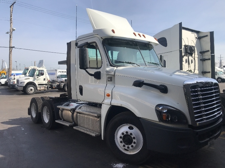 Day Cab Tractor-Heavy Duty Tractors-Freightliner-2016-Cascadia 12564ST-SAINT LOUIS-MO-200,478 miles-$78,500