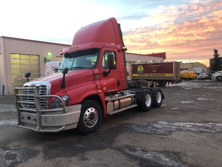 Day Cab Tractor-Heavy Duty Tractors-Freightliner-2016-Cascadia 12564ST-CALGARY-AB-703,576 km-$72,000