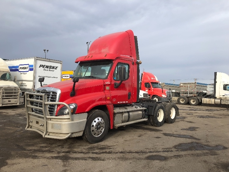 Day Cab Tractor-Heavy Duty Tractors-Freightliner-2016-Cascadia 12564ST-CALGARY-AB-746,372 km-$70,250