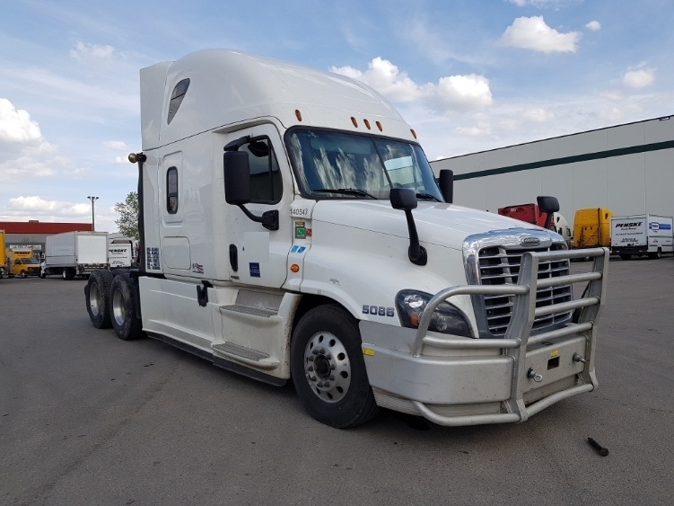 Sleeper Tractor-Heavy Duty Tractors-Freightliner-2016-Cascadia 12564ST-CALGARY-AB-804,107 km-$61,750