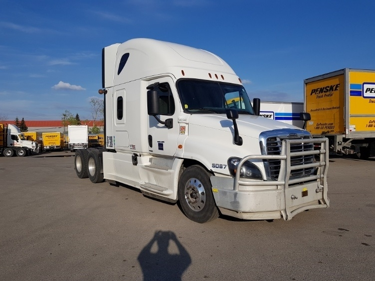 Sleeper Tractor-Heavy Duty Tractors-Freightliner-2016-Cascadia 12564ST-CALGARY-AB-710,066 km-$65,250