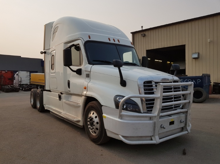 Sleeper Tractor-Heavy Duty Tractors-Freightliner-2016-Cascadia 12564ST-CALGARY-AB-679,041 km-$66,500