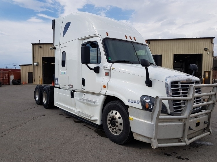 Sleeper Tractor-Heavy Duty Tractors-Freightliner-2016-Cascadia 12564ST-CALGARY-AB-754,155 km-$63,750