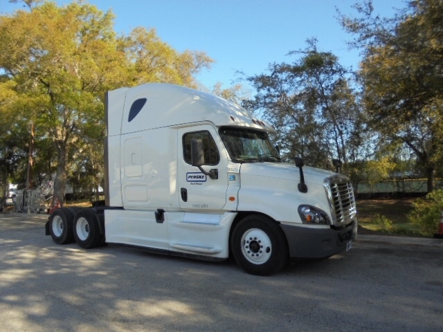 Sleeper Tractor-Heavy Duty Tractors-Freightliner-2016-Cascadia 12564ST-ORLANDO-FL-481,440 miles-$46,500