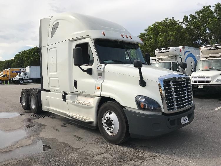 Sleeper Tractor-Heavy Duty Tractors-Freightliner-2016-Cascadia 12564ST-MEDLEY-FL-589,259 miles-$35,500