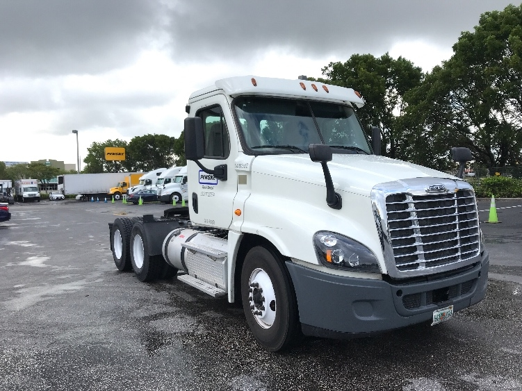 Day Cab Tractor-Heavy Duty Tractors-Freightliner-2016-Cascadia 12564ST-MEDLEY-FL-230,008 miles-$65,750