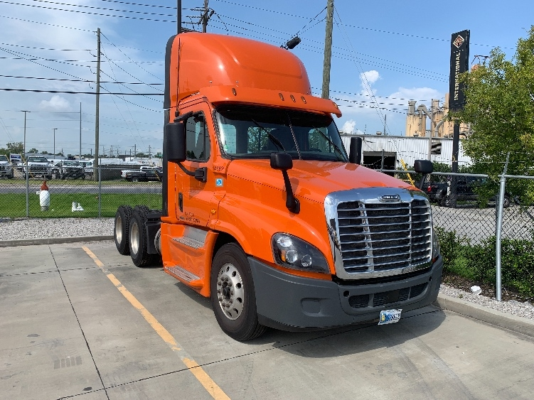 Day Cab Tractor-Heavy Duty Tractors-Freightliner-2016-Cascadia 12564ST-HAMMOND-LA-333,916 miles-$66,500