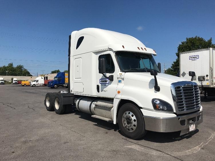 Used Sleeper Tractors For Sale in ON - Penske Used Trucks