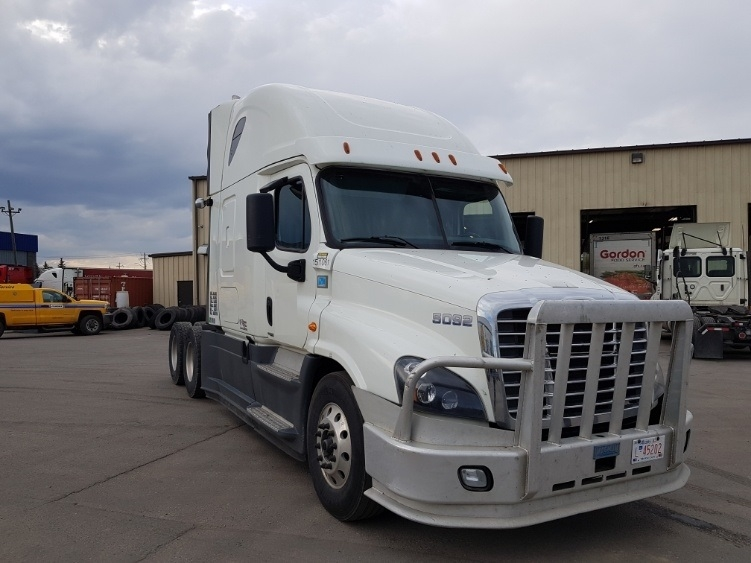 Sleeper Tractor-Heavy Duty Tractors-Freightliner-2016-Cascadia 12564ST-CALGARY-AB-682,944 km-$67,250