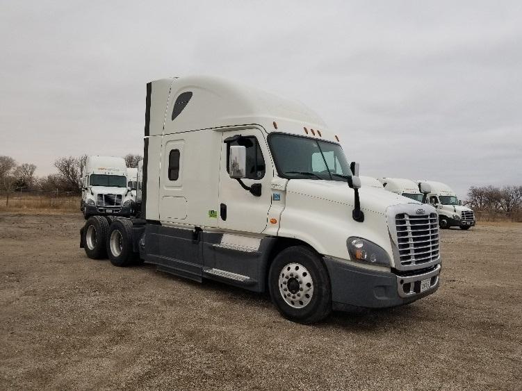 Sleeper Tractor-Heavy Duty Tractors-Freightliner-2016-Cascadia 12564ST-KANSAS CITY-MO-541,799 miles-$44,000