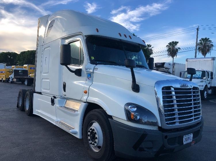 Sleeper Tractor-Heavy Duty Tractors-Freightliner-2017-Cascadia 12564ST-MEDLEY-FL-703,755 miles-$36,500