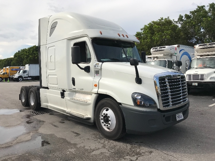 Sleeper Tractor-Heavy Duty Tractors-Freightliner-2017-Cascadia 12564ST-MEDLEY-FL-641,804 miles-$41,500