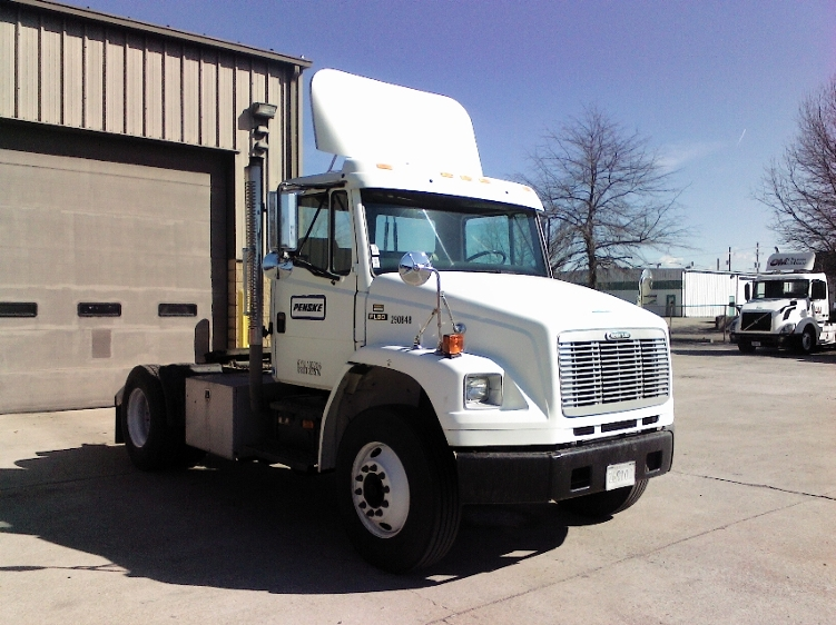 Day Cab Tractor-Heavy Duty Tractors-Freightliner-2003-FL80-BLOOMINGTON-IN-223,614 miles-$18,000
