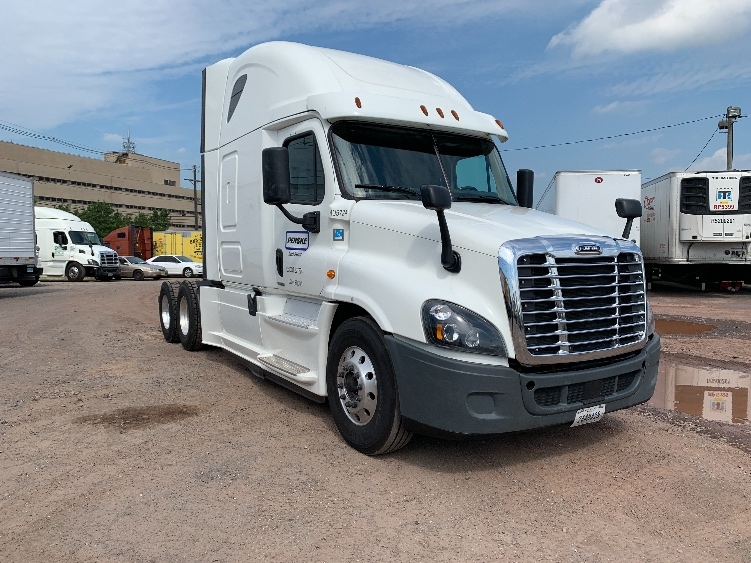Sleeper Tractor-Heavy Duty Tractors-Freightliner-2017-Cascadia 12564ST-SOUTH PLAINFIELD-NJ-205,529 miles-$90,000