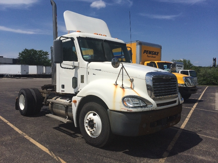 Day Cab Tractor-Heavy Duty Tractors-Freightliner-2005-Columbia CL12042ST-INDIANAPOLIS-IN-398,125 miles-$24,000