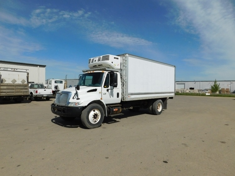 Reefer Truck-Light and Medium Duty Trucks-International-2006-4300-SASKATOON-SK-144,965 km-$23,250
