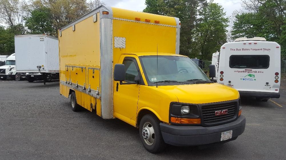 Light Duty Box Truck-Light and Medium Duty Trucks-GMC-2006-Savana G33903-LAWRENCE-MA-105,995 miles-$7,750