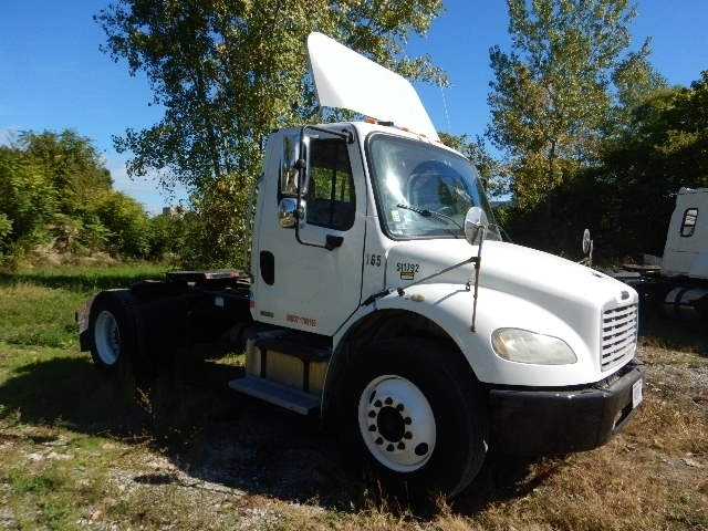 Day Cab Tractor-Heavy Duty Tractors-Freightliner-2007-M2-ALLENTOWN-PA-247,820 miles-$27,000