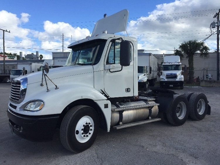 Day Cab Tractor-Heavy Duty Tractors-Freightliner-2007-Columbia CL12064ST-MIAMI-FL-494,695 miles-$31,000