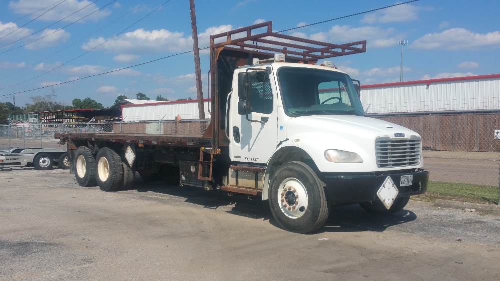 Flatbed Truck-Light and Medium Duty Trucks-Freightliner-2007-M2-BEAUMONT-TX-131,831 miles-$36,750