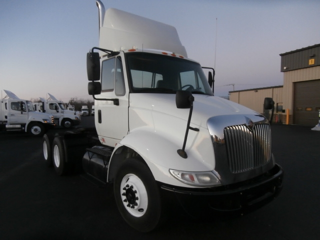 Day Cab Tractor-Heavy Duty Tractors-International-2007-8600-SCARBOROUGH-ME-132,880 miles-$29,250