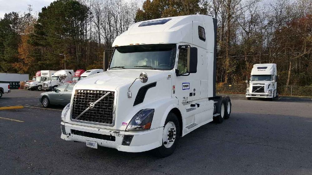 Sleeper Tractor-Heavy Duty Tractors-Volvo-2011-VNL64T670-DALTON-GA-543,713 miles-$35,000