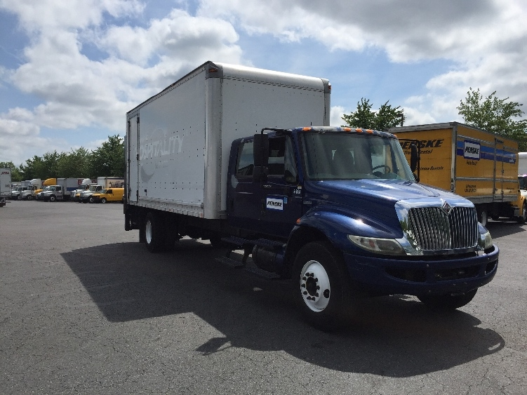 Medium Duty Box Truck-Specialized Equipment-International-2008-4300-CAPITOL HEIGHTS-MD-336,985 miles-$10,500