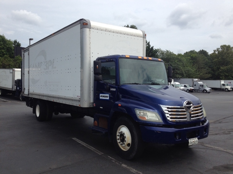 Medium Duty Box Truck-Light and Medium Duty Trucks-Hino-2008-338-WEST HAVEN-CT-376,250 miles-$8,000