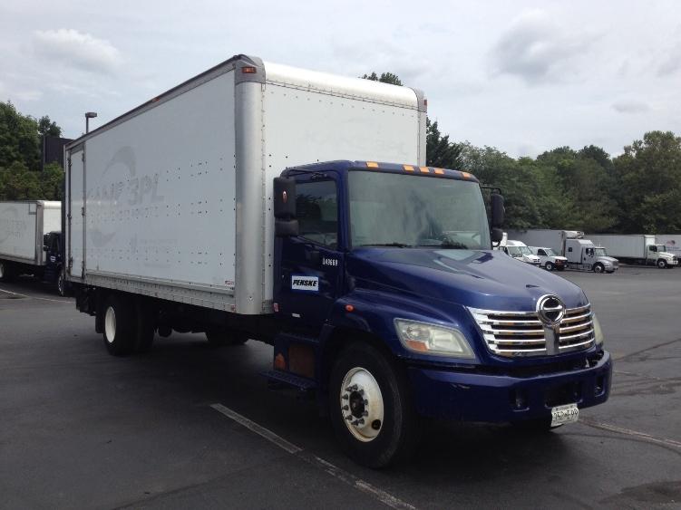 Medium Duty Box Truck-Light and Medium Duty Trucks-Hino-2008-338-WEST HAVEN-CT-376,250 miles-$8,000