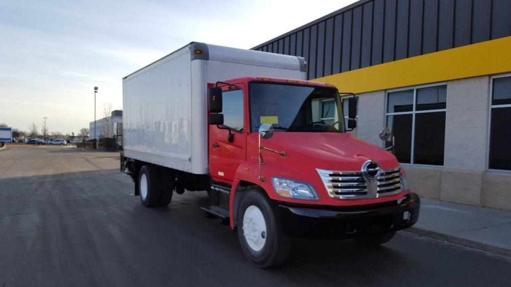 Medium Duty Box Truck-Light and Medium Duty Trucks-Hino-2008-338-ROCKFORD-IL-226,902 miles-$21,250