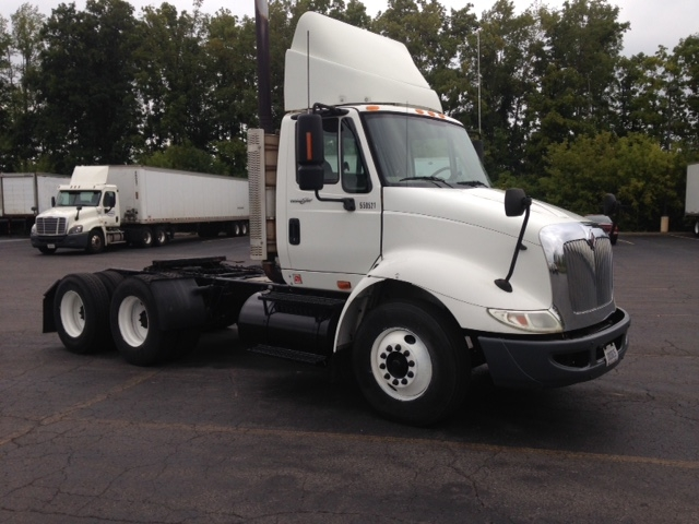 Day Cab Tractor-Heavy Duty Tractors-International-2008-8600-LIVERPOOL-NY-215,706 miles-$27,250