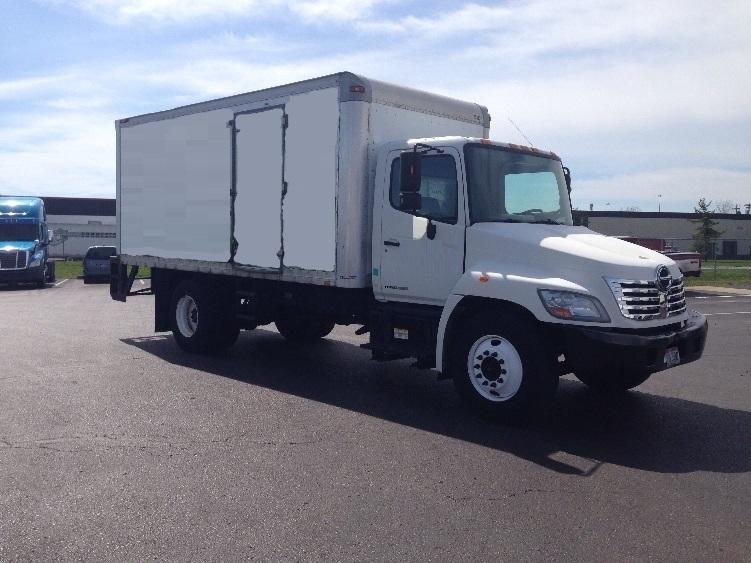 Medium Duty Box Truck-Light and Medium Duty Trucks-Hino-2008-338-WILMINGTON-OH-219,212 miles-$21,750