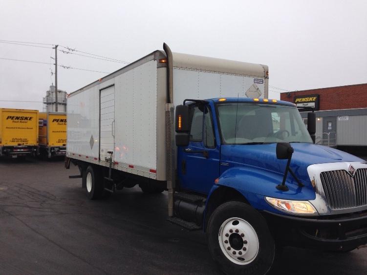 Medium Duty Box Truck-Light and Medium Duty Trucks-International-2009-4400-TORONTO-ON-132,280 km-$27,500