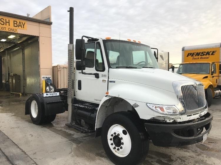 Day Cab Tractor-Heavy Duty Tractors-International-2009-4400-LENEXA-KS-145,858 miles-$29,500