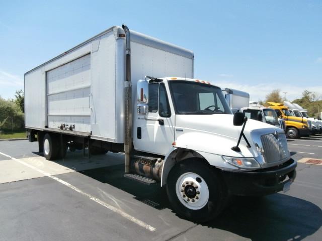 Medium Duty Box Truck-Light and Medium Duty Trucks-International-2009-4300-WEST HAVEN-CT-212,329 miles-$17,000