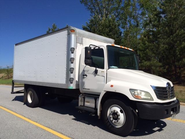 Medium Duty Box Truck-Light and Medium Duty Trucks-Hino-2009-268-CONYERS-GA-215,372 miles-$22,750
