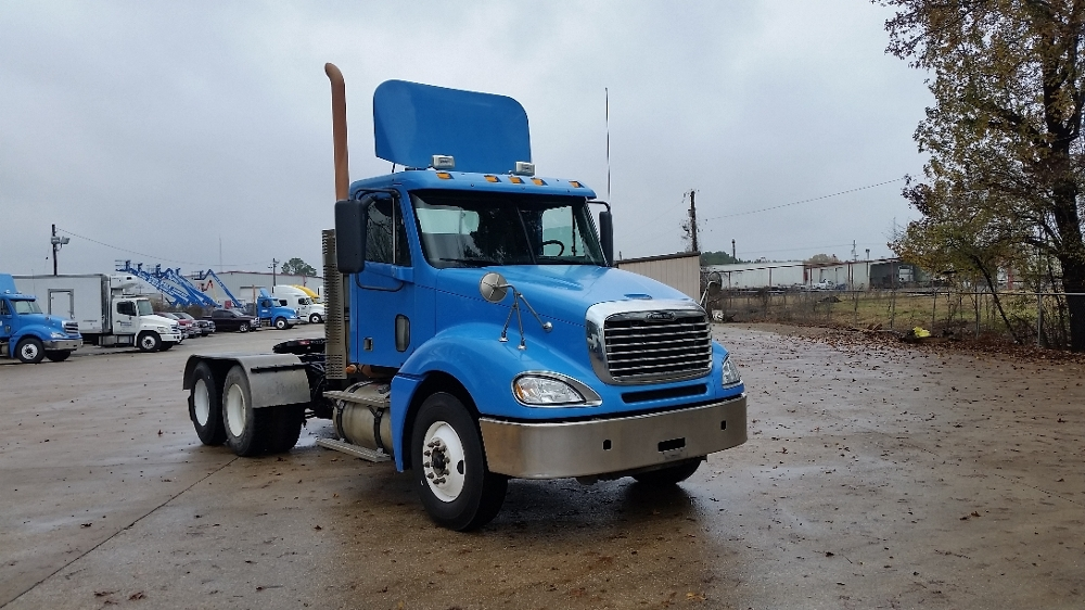 Day Cab Tractor-Heavy Duty Tractors-Freightliner-2009-Columbia CL12064ST-LONGVIEW-TX-395,324 miles-$25,750