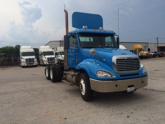Day Cab Tractor-Heavy Duty Tractors-Freightliner-2009-Columbia CL12064ST-LONGVIEW-TX-314,521 miles-$13,000