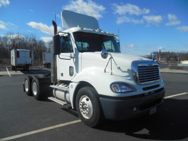 Day Cab Tractor-Heavy Duty Tractors-Freightliner-2009-Columbia CL12064ST-MONTGOMERY-NY-398,577 miles-$27,750