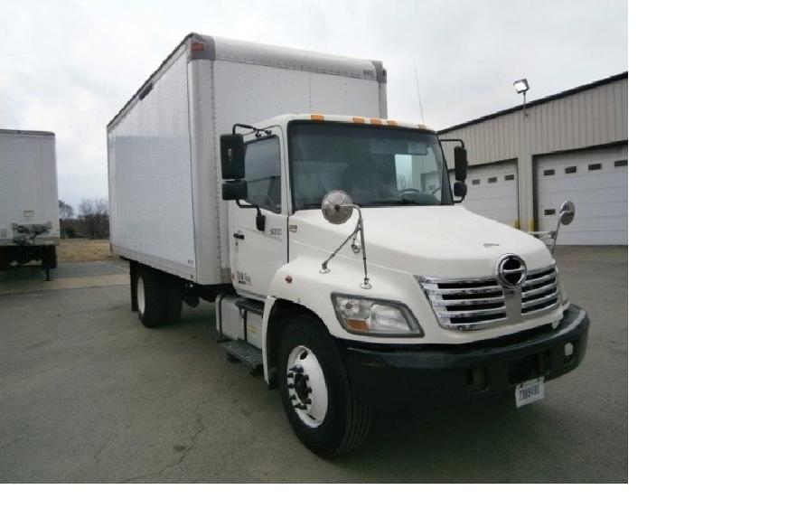 Medium Duty Box Truck-Light and Medium Duty Trucks-Hino-2009-268-MONTGOMERY-IL-210,806 miles-$25,000