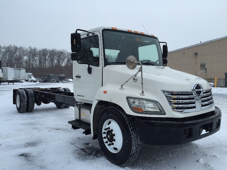 Cab and Chassis Truck-Light and Medium Duty Trucks-Hino-2009-338-BRAINTREE-MA-180,166 miles-$20,000