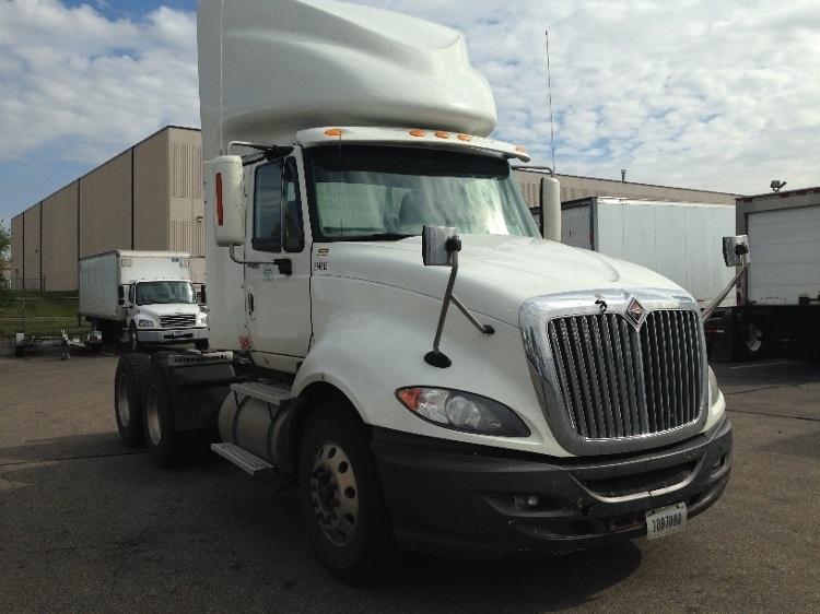 day cab tractors  sale  mn penske  trucks