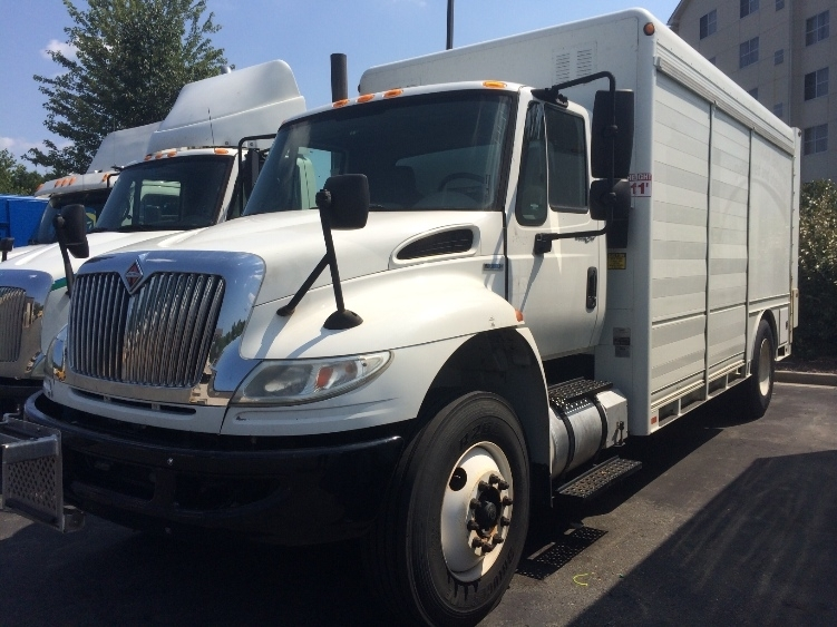 Medium Duty Box Truck-Specialized Equipment-International-2009-4300-SANDSTON-VA-284,566 miles-$10,500