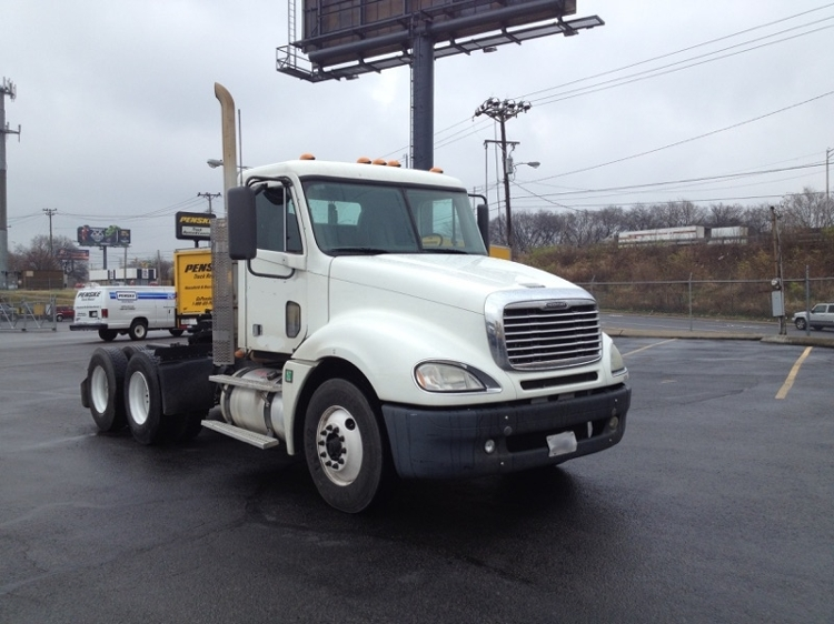 Day Cab Tractor-Heavy Duty Tractors-Freightliner-2009-Columbia CL12064ST-DECATUR-AL-386,474 miles-$28,500
