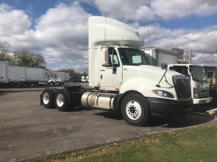 Day Cab Tractor-Heavy Duty Tractors-International-2009-ProStar-PEWAUKEE-WI-492,894 miles-$23,250