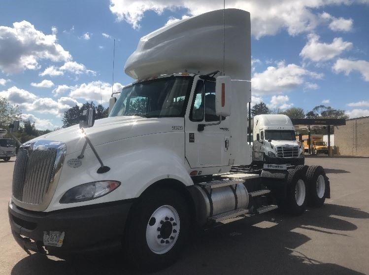 Day Cab Tractor-Heavy Duty Tractors-International-2009-ProStar-PEWAUKEE-WI-389,793 miles-$24,750
