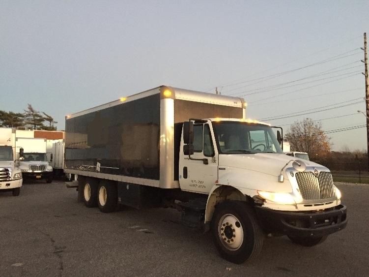Medium Duty Box Truck-Heavy Duty Tractors-International-2009-4400-WEST BABYLON-NY-208,729 miles-$24,750